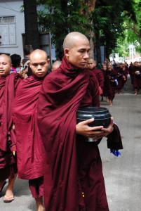 pasto dei monaci- Mandalay